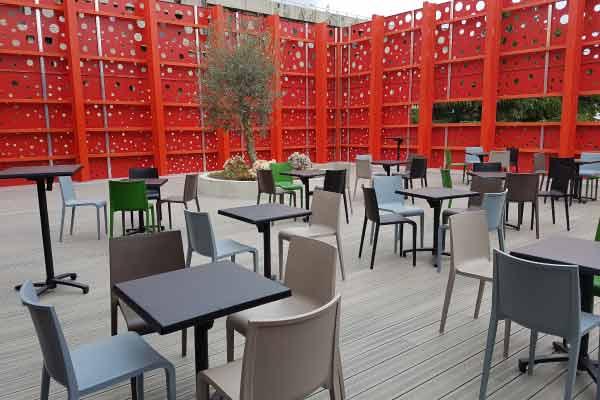 maison-pour-tous-terrasse-meublee2-spo
