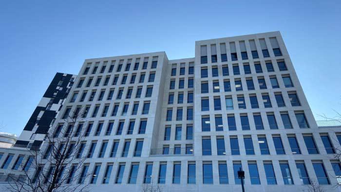 650 postes de travail chez Legendre Immobilier WHOORKS Nantes